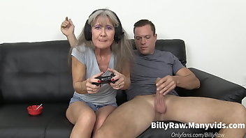 Game MILF Mature Stepmom
